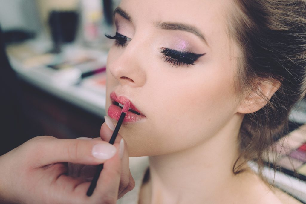 make up lipstick